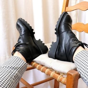 Vintage black chunky track sole square toe boots